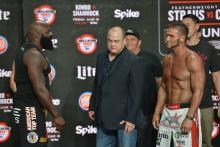 Kimbo Slice Ken Shamrock Bellator Unfinished Business Weigh In Critical Blast